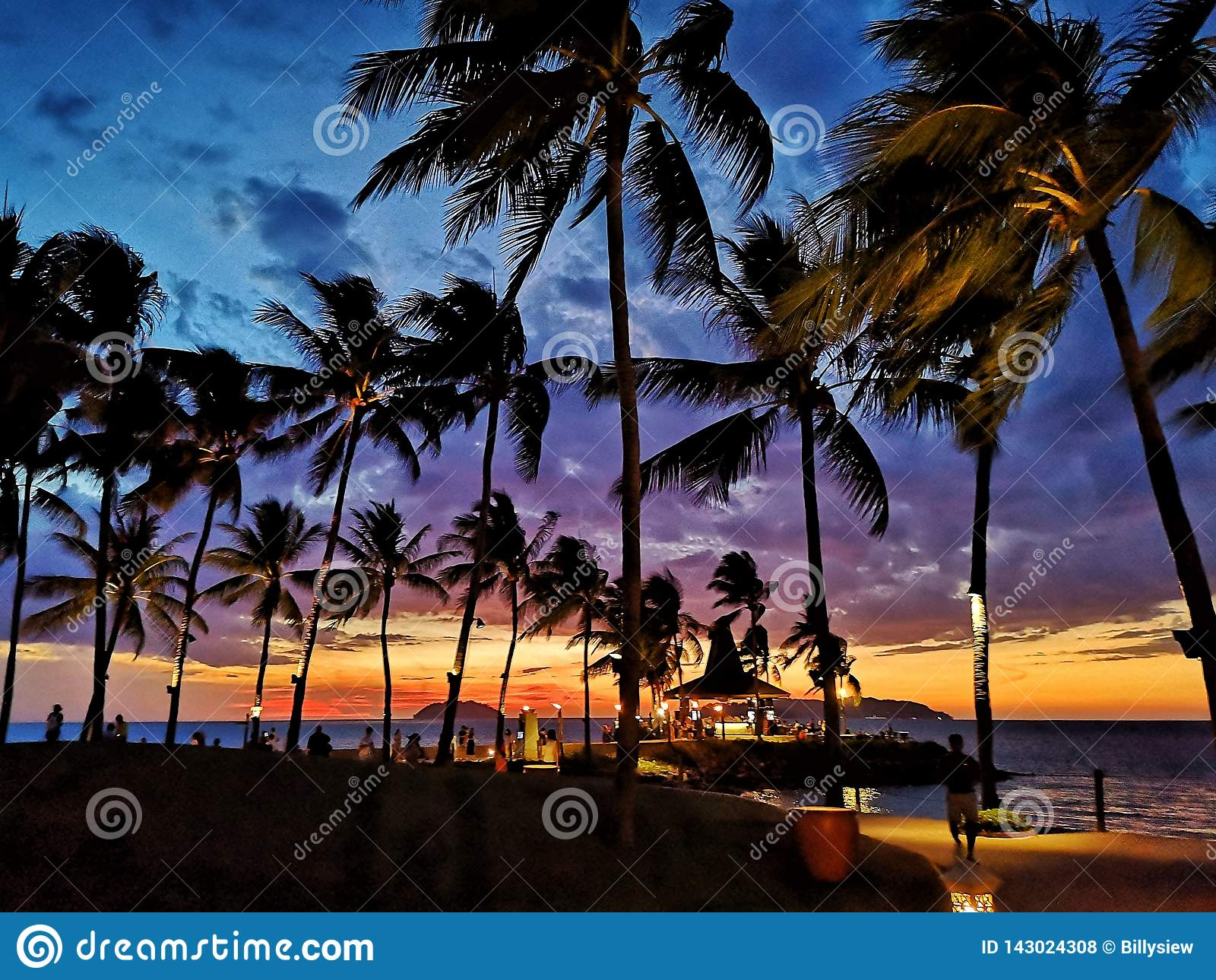 Zonsondergang in Strand