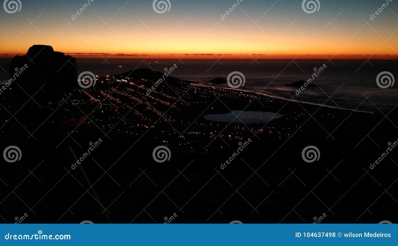Download Zonsopgang stock foto. Afbeelding bestaande uit atmosfeer - 104637498