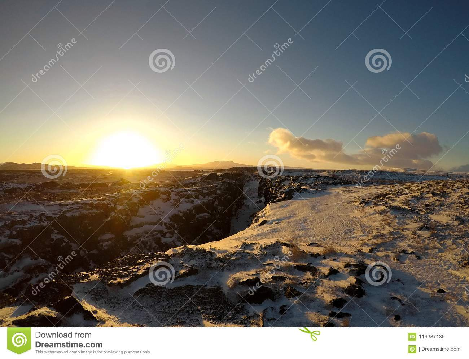 Zonsopgang in het Nationale Park van Pingvellir, IJsland