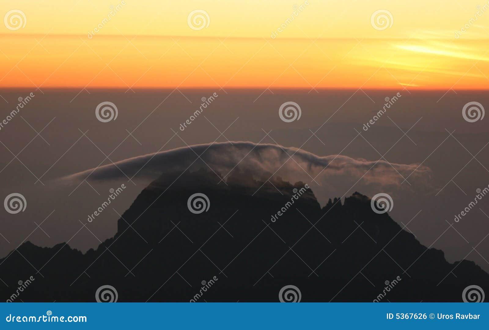 Zonsopgang vanaf bovenkant van Kilimanjaro