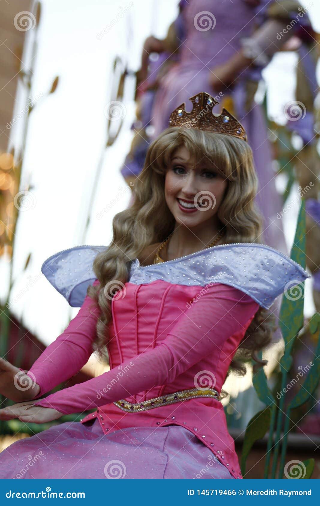 Zorzy Princess w Disneyland paradzie