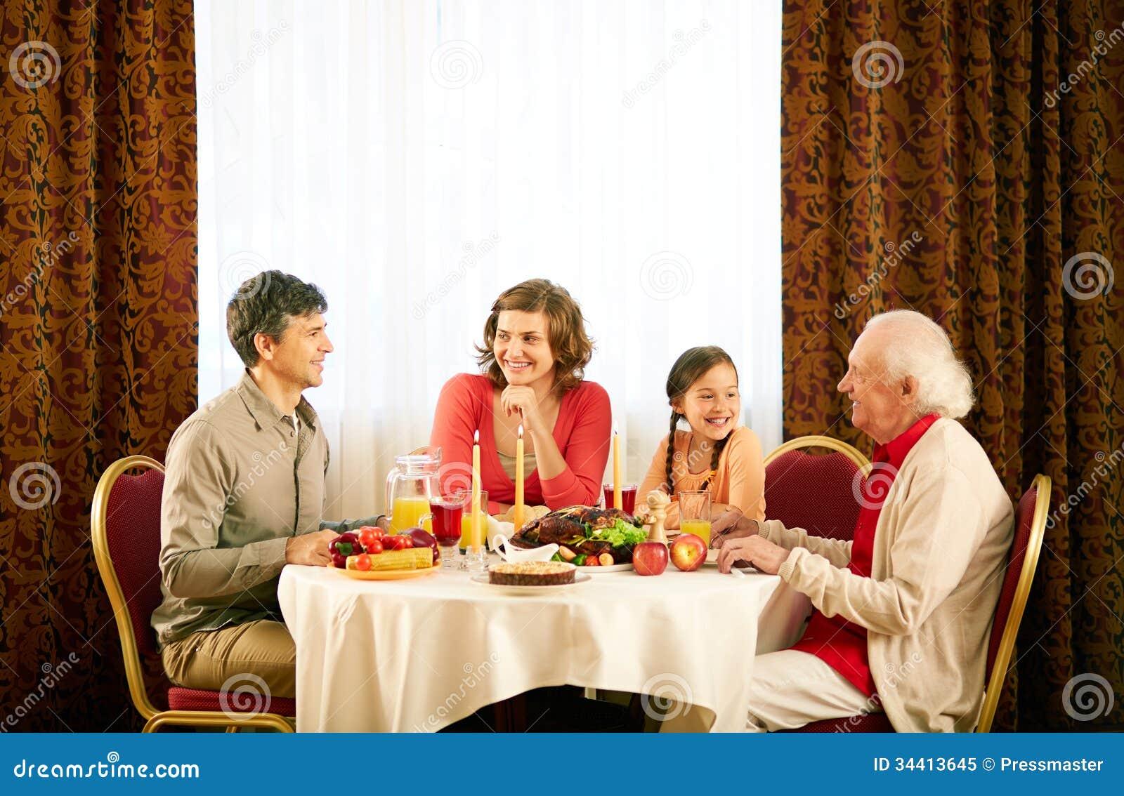 zu abend essen stockbild bild von vater abendessen 34413645. Black Bedroom Furniture Sets. Home Design Ideas