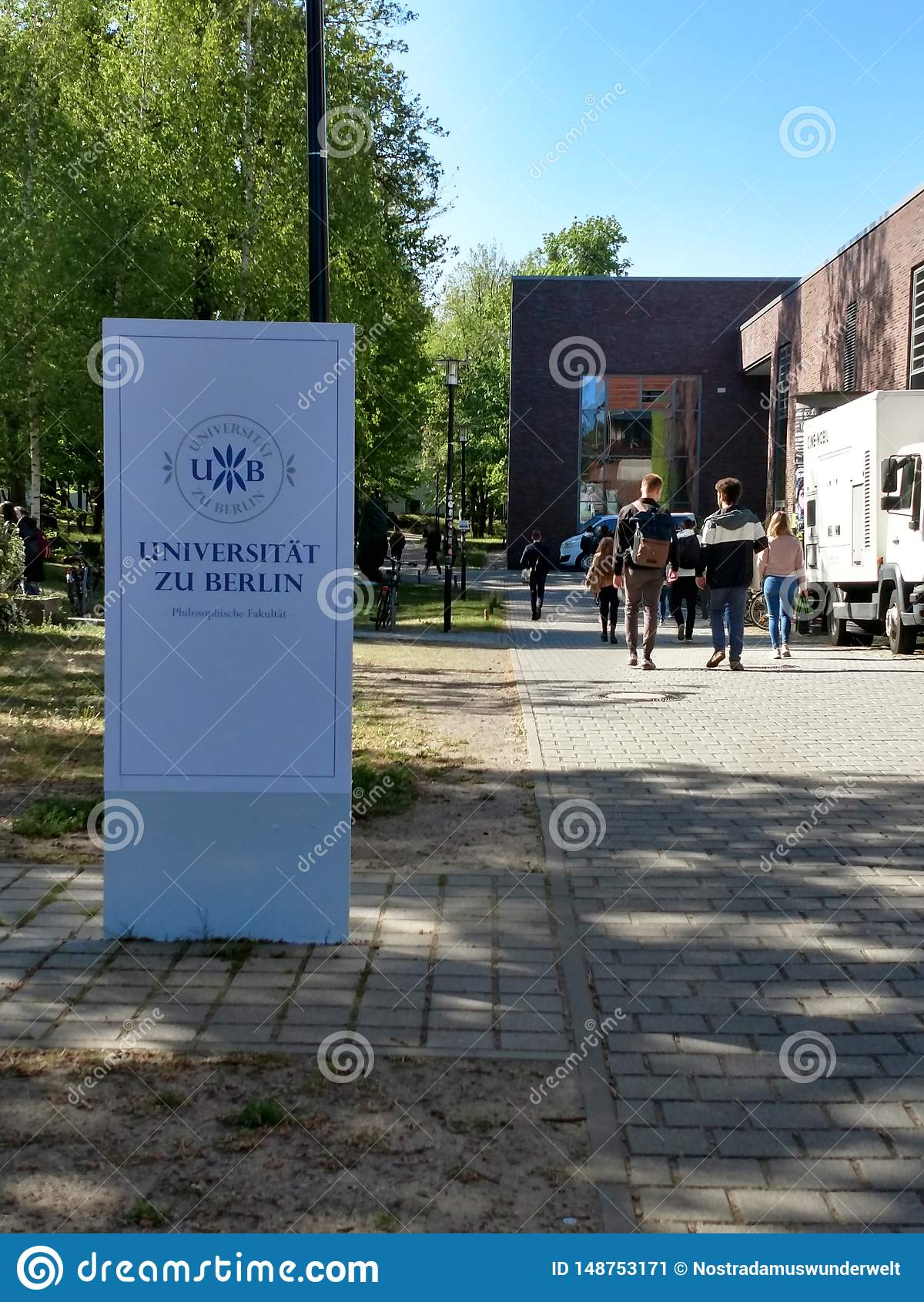 Zu Berlín de Universitaet