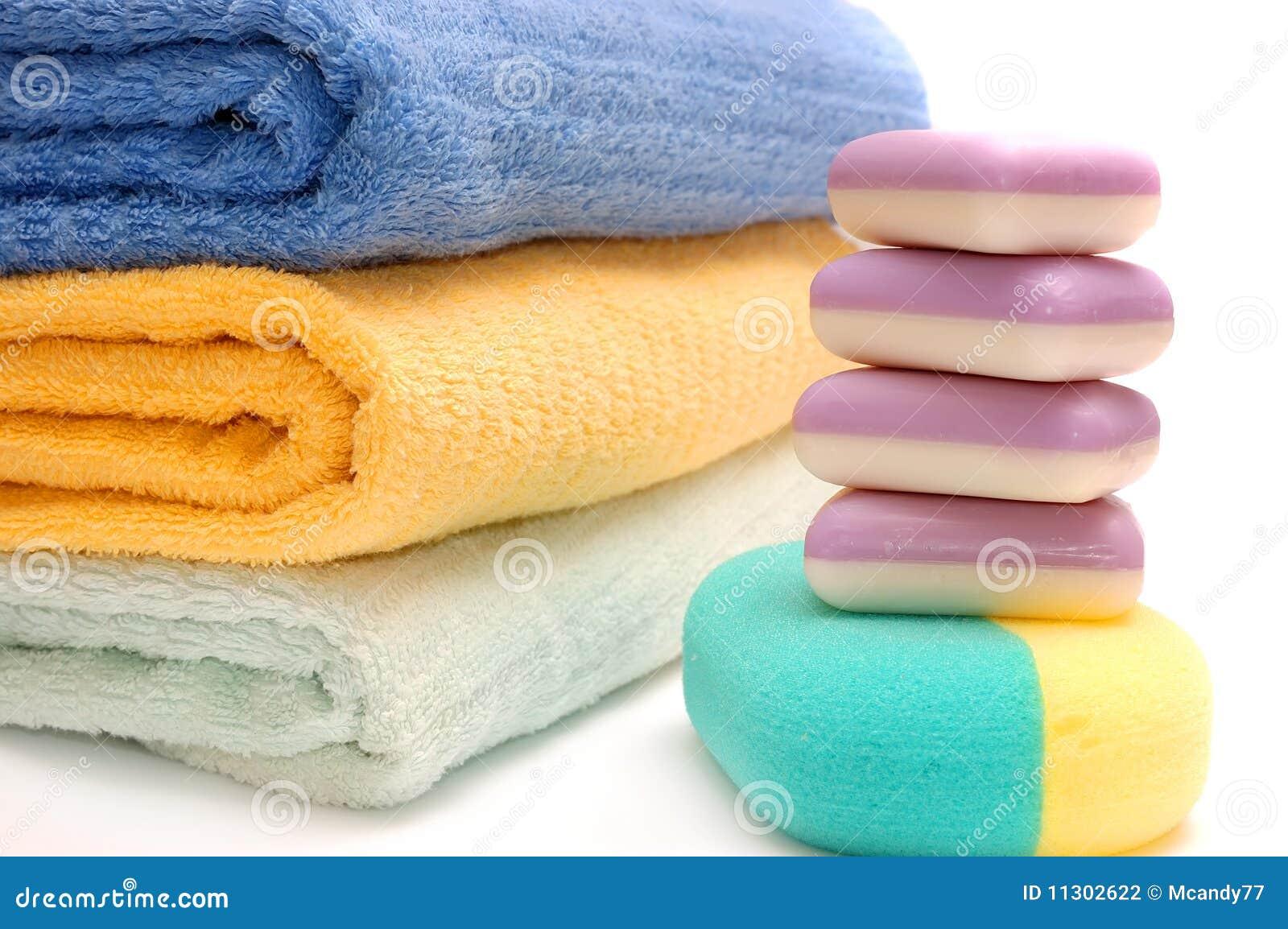 Zubehör zum Waschen auf dem Weiß