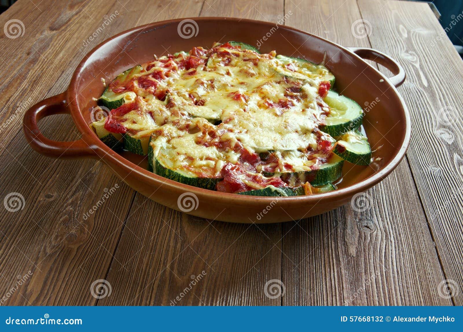 Zucchini z serem i pomidorami