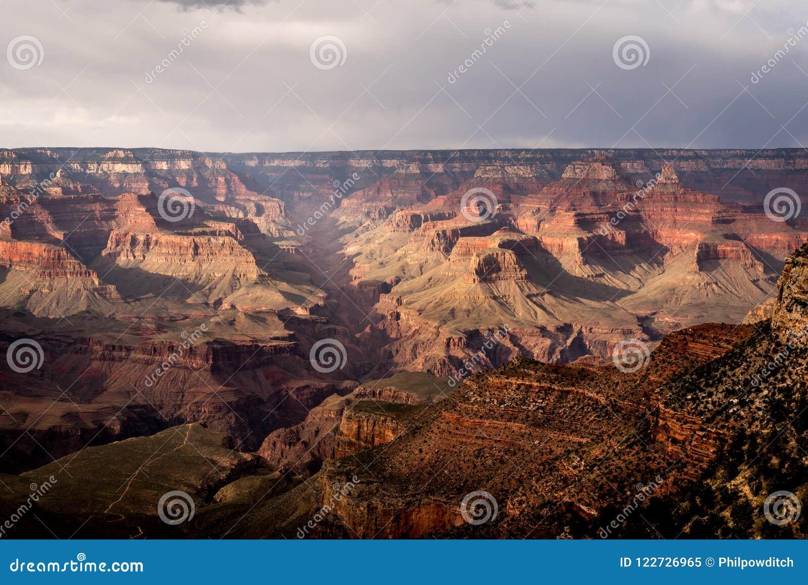 Zuidenrand van Grand Canyon dichtbij Helder Angel Lodge