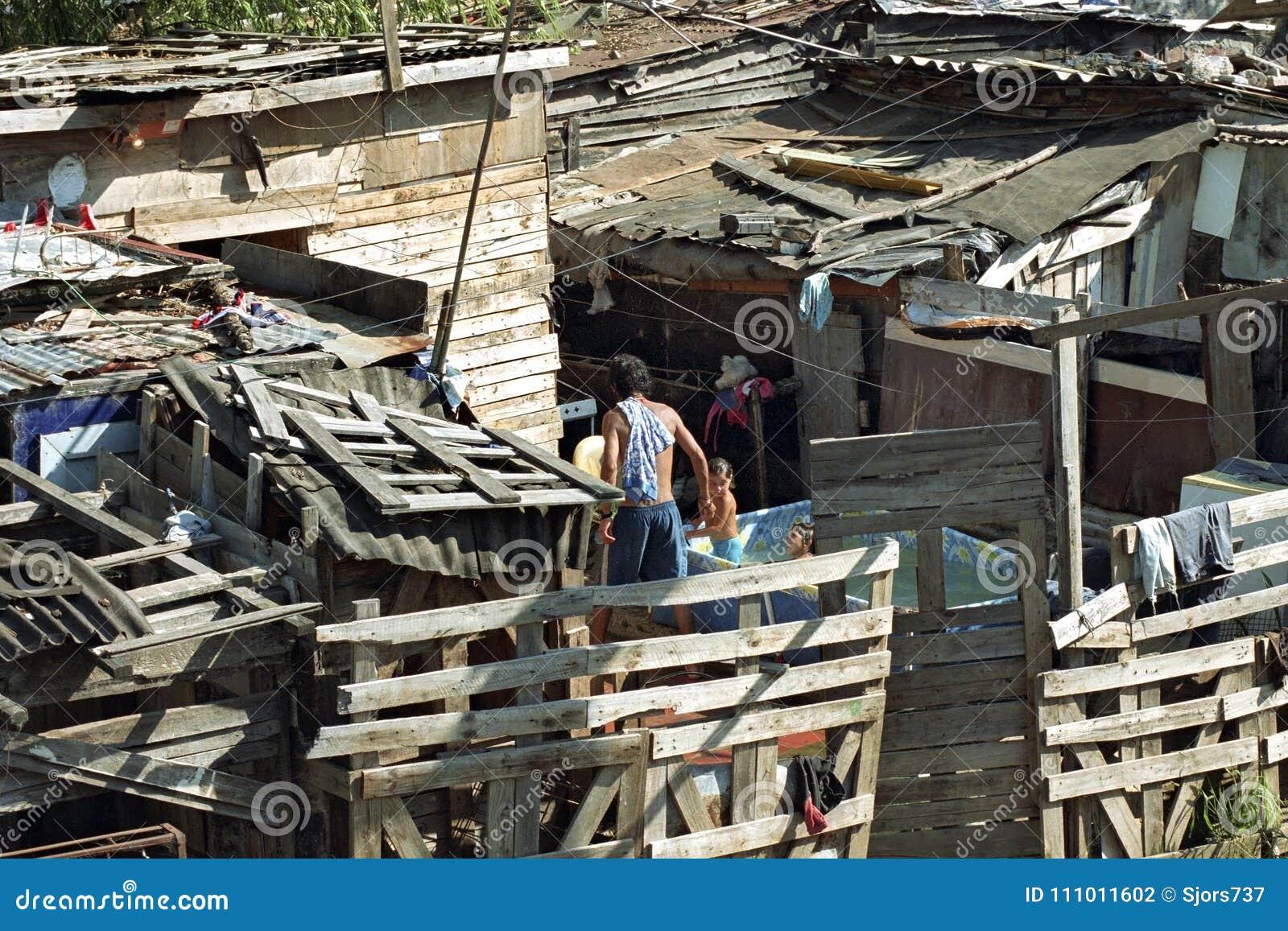 Zuivere Argentijnse armoede in Cava krottenwijk van La