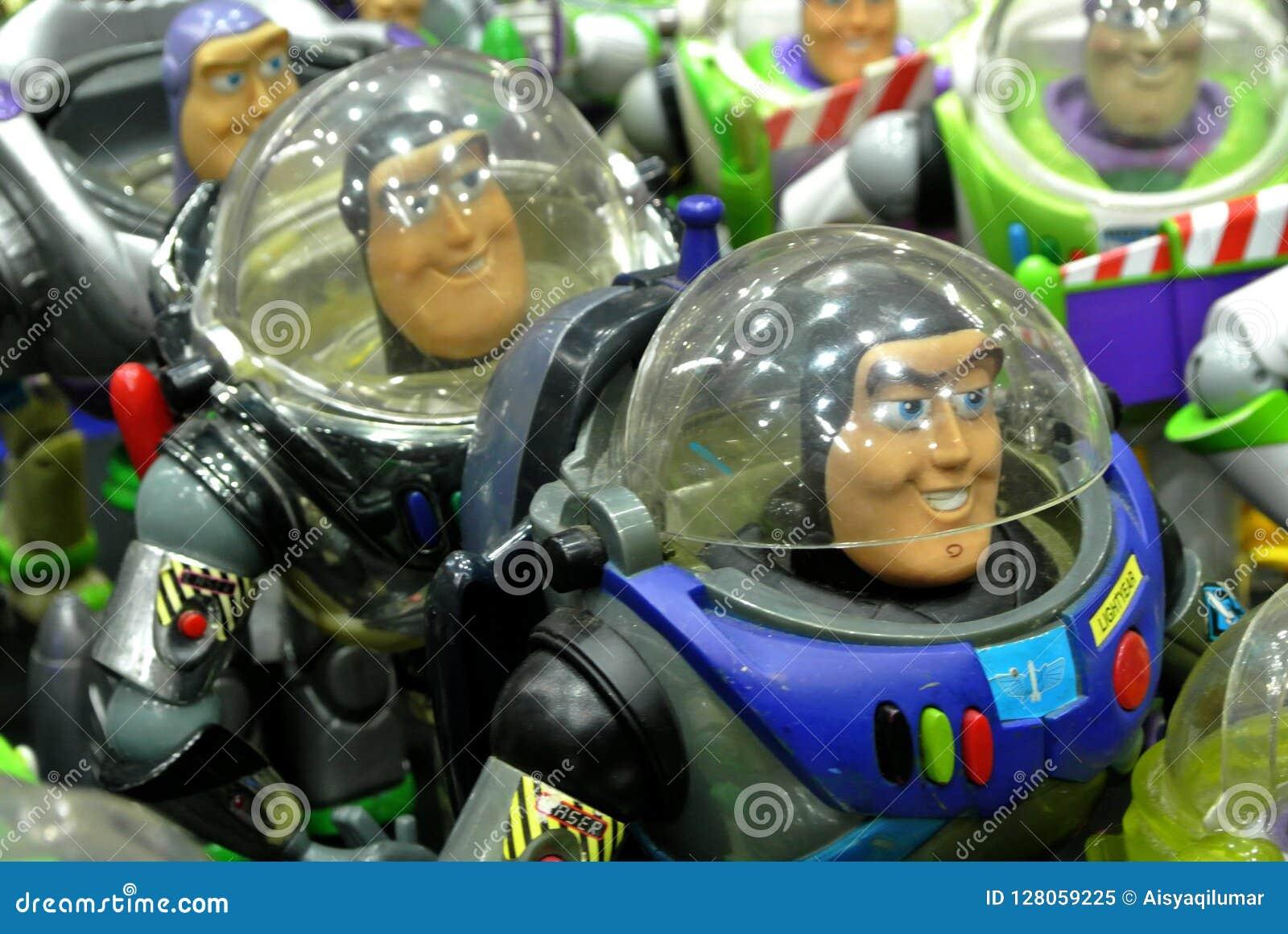 Zumbe el año ligero la figura de acción ficticia del super héroe del guardabosques del espacio