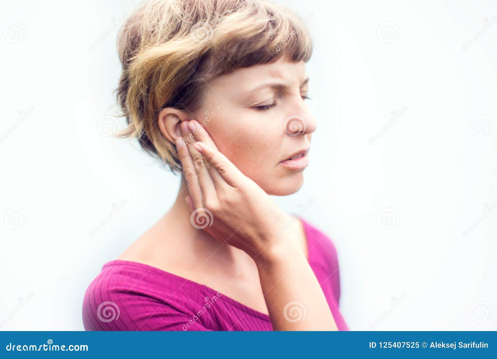 Dolor de nervio cabeza del oído