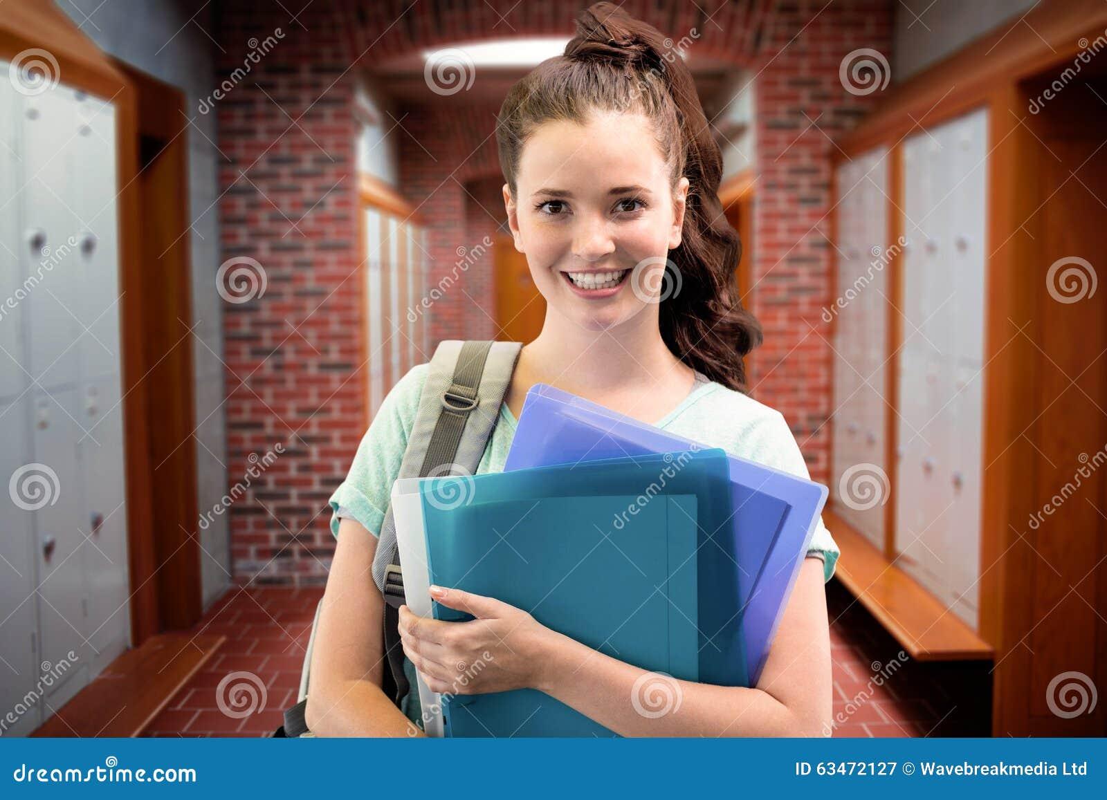 Zusammengesetztes Bild des lächelnden Studenten
