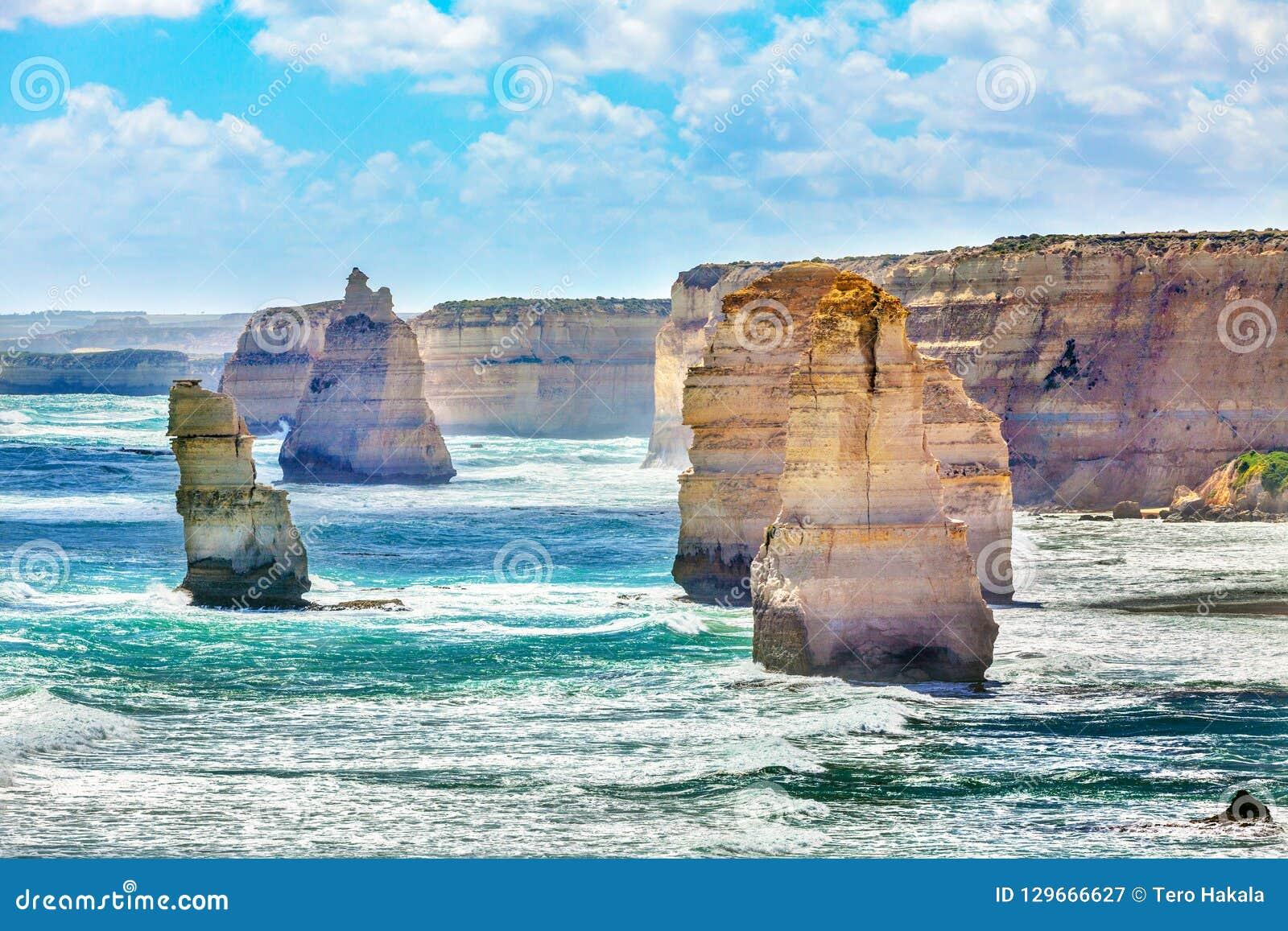 Zwölf Apostel entlang großer Ozean-Straße in Australien