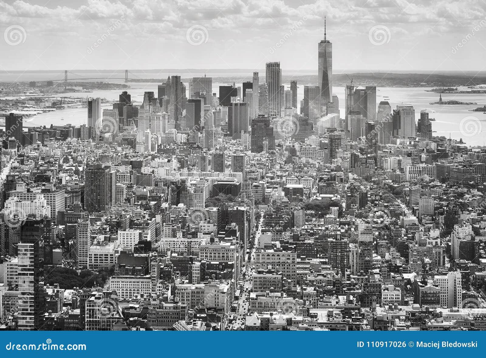 Zwart-wit beeld van de horizon van New York, de V.S.