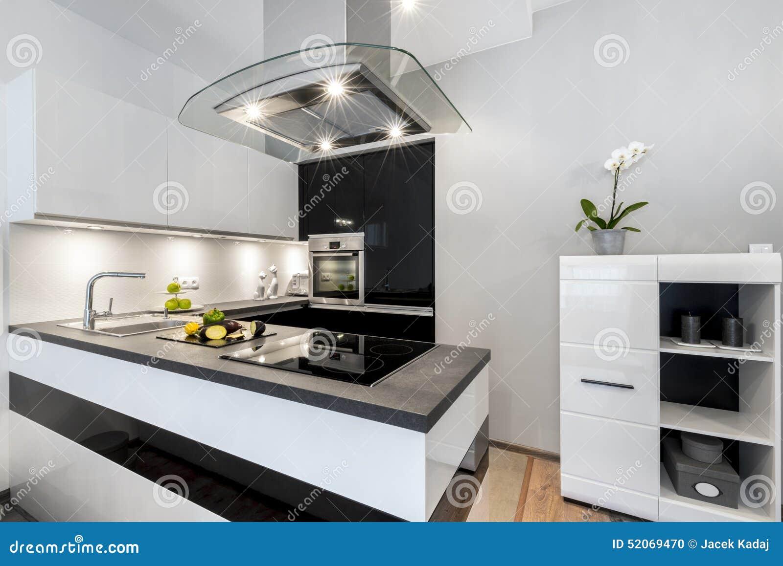 Zwart wit keuken modern binnenlands ontwerp stock foto