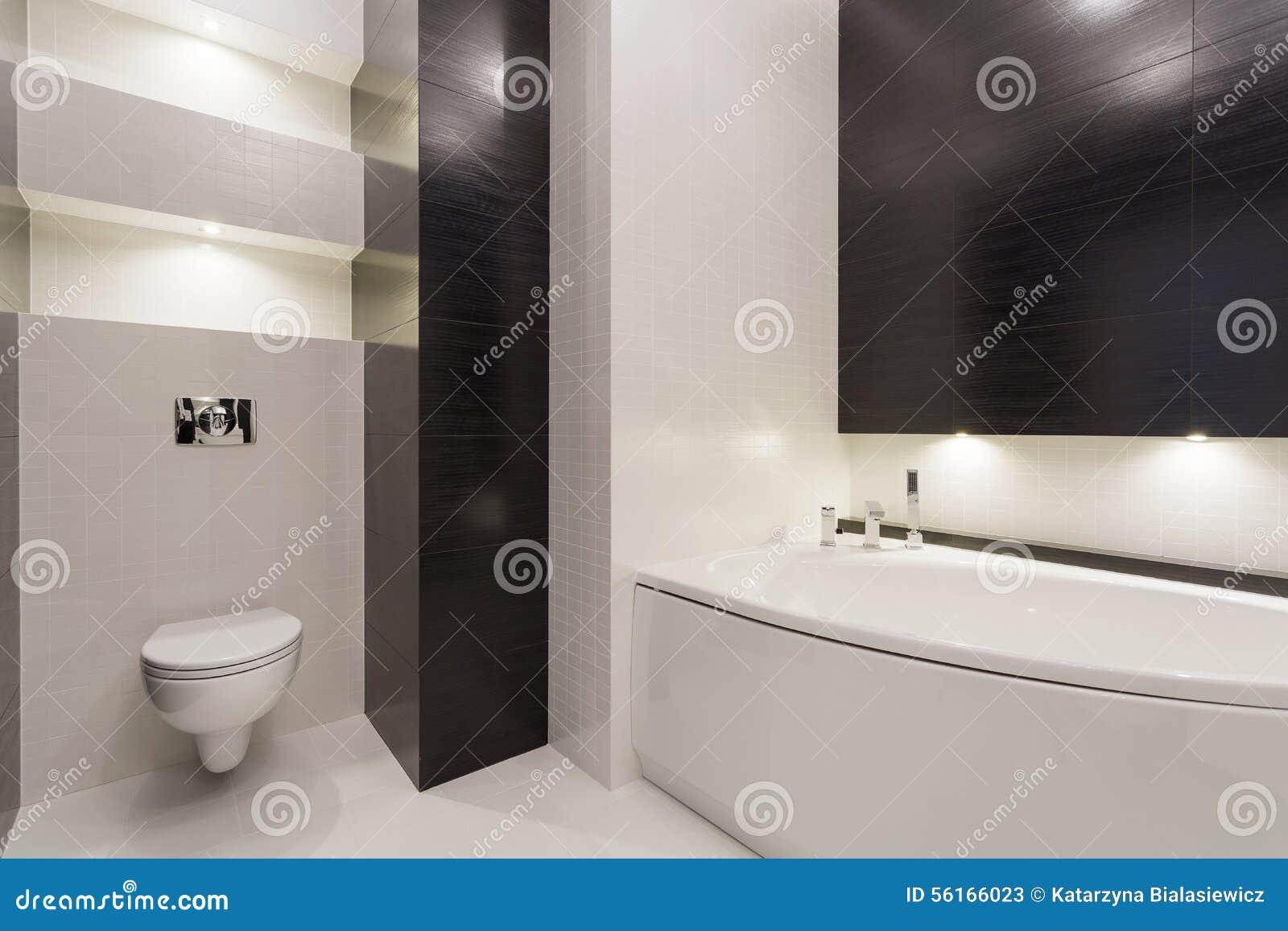 Zwart wit modern toilet stock afbeelding afbeelding bestaande uit