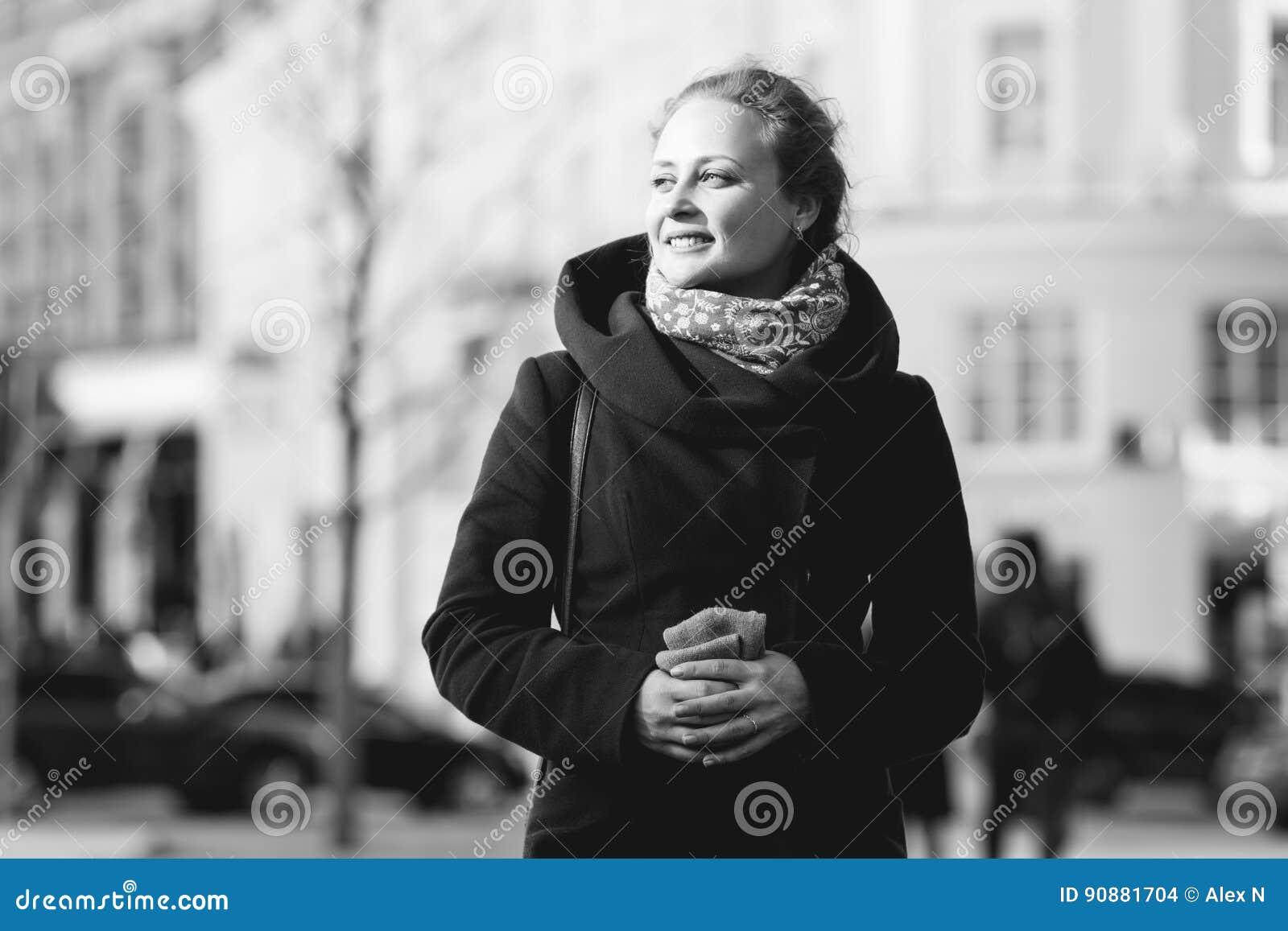 Zwart-witte foto van meisje