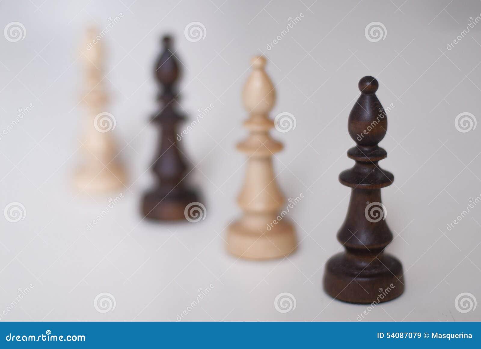 Zwart-witte schaakbischoppen