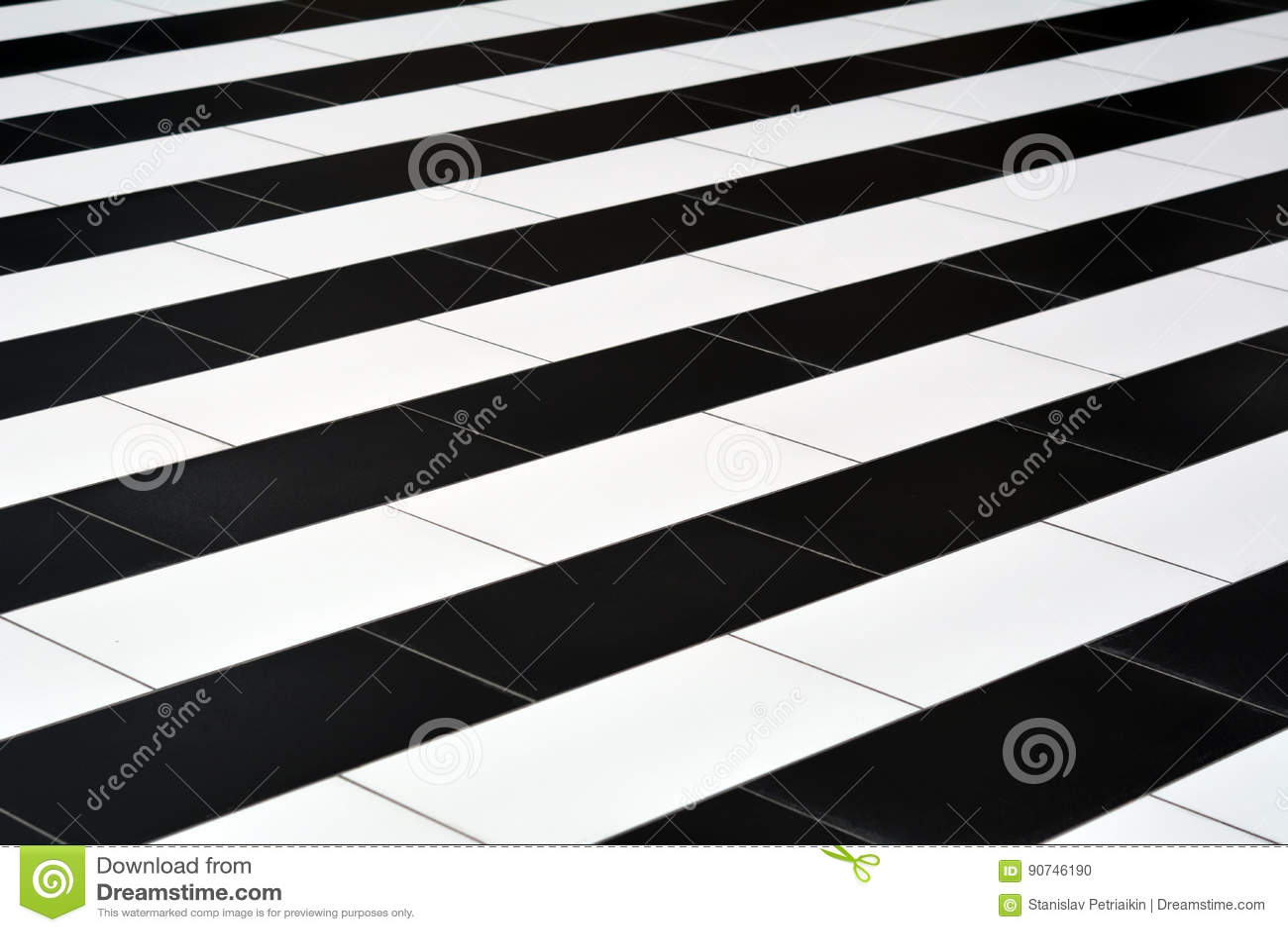Zwart Witte Tegels : Zwart witte tegels op de vloer stock foto afbeelding bestaande