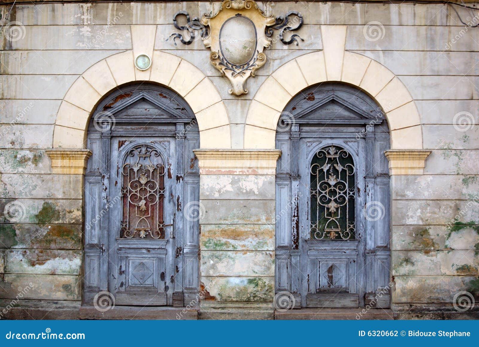 Alte türen  Zwei Alte Türen Stockfotografie - Bild: 6320662