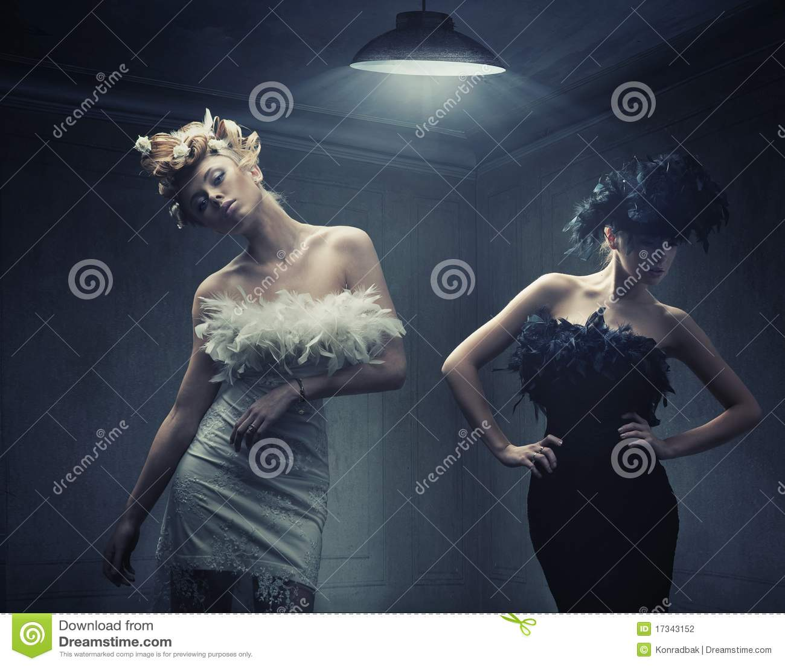 Zwei Art und Weisedamen