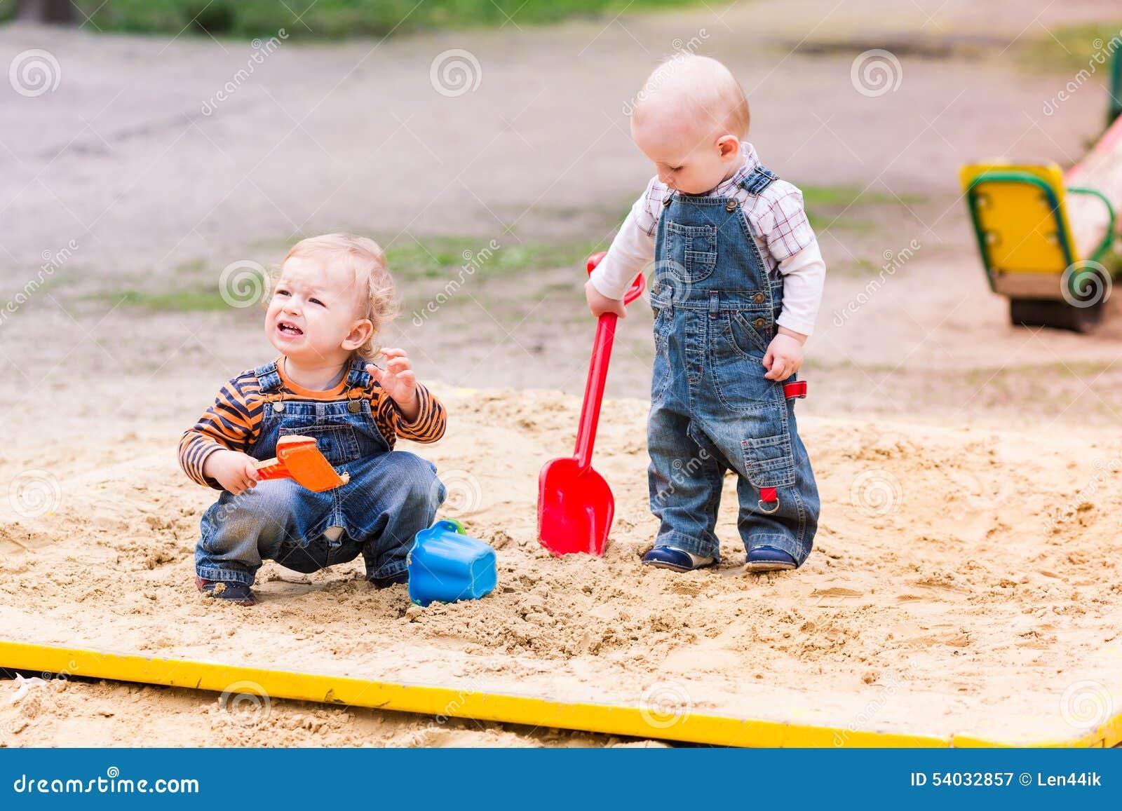 spiele mit sand