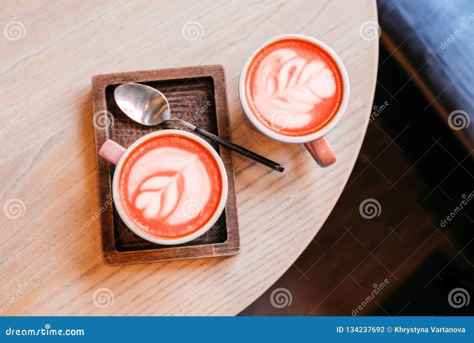 Zwei Cup Cappuccino