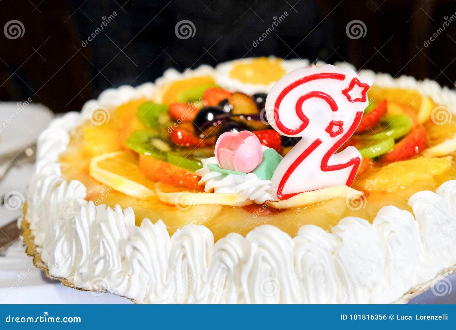 Zwei Der Geburtstagskuchen Jahre Kerze Nr 2 Zwei Stockfoto Bild