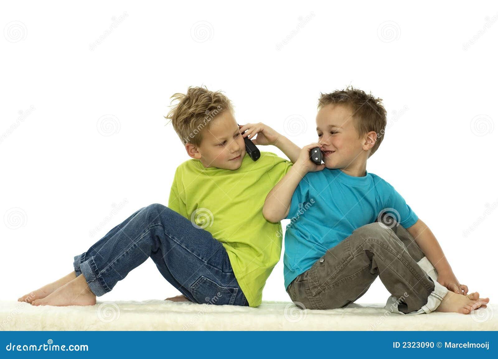 Zwei Freunde Vergnügen Sich Miteinander