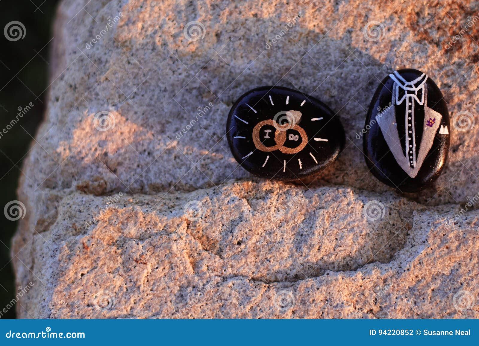 Zwei Gemalte Felsen Fur Eine Hochzeit Sagend Das Ich Und Ein