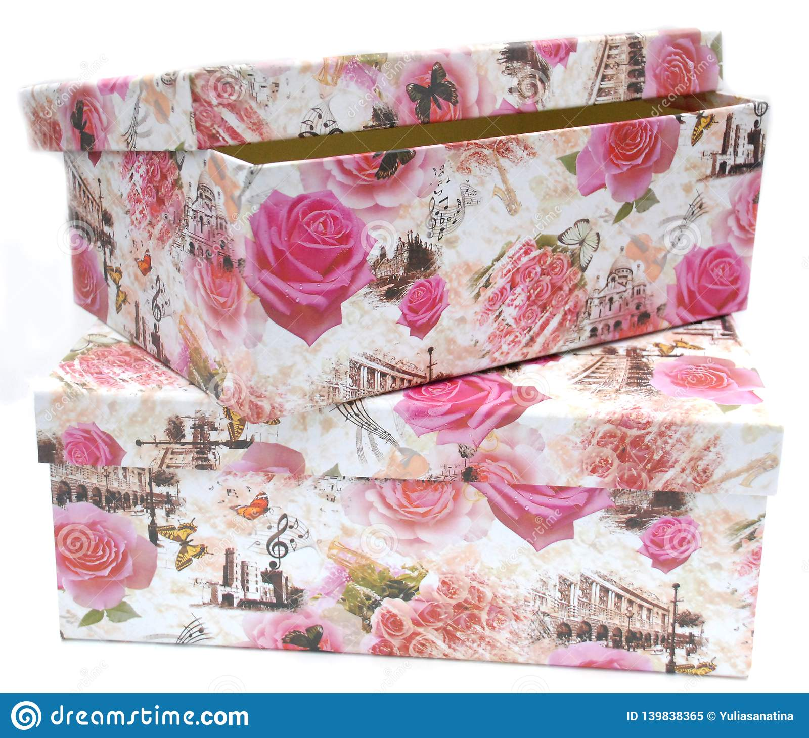 Zwei Geschenkboxen mit dem Blumendruck