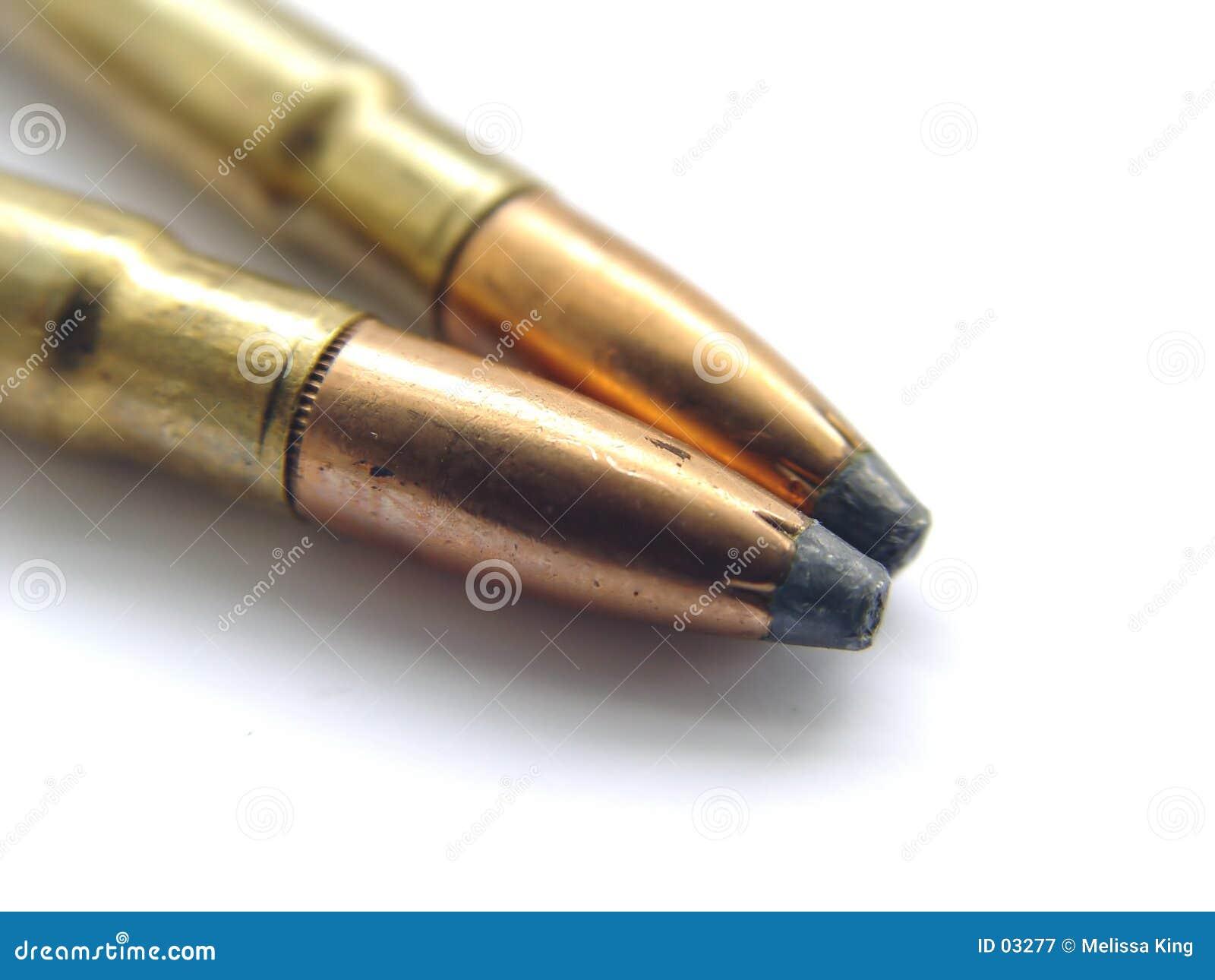 Zwei Gewehr-Gewehrkugeln