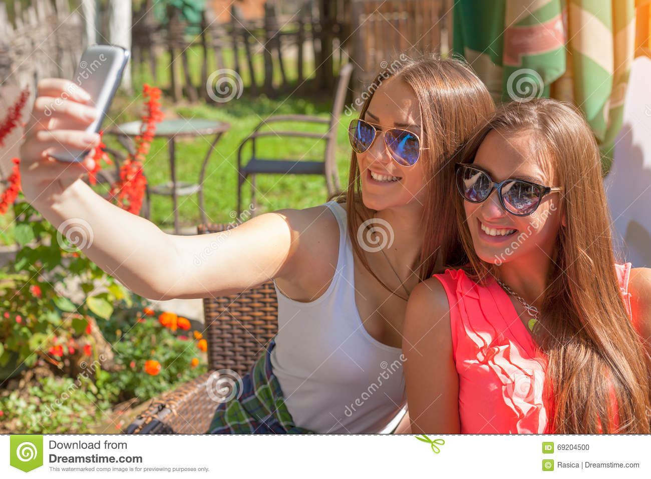 junge madchen selfies