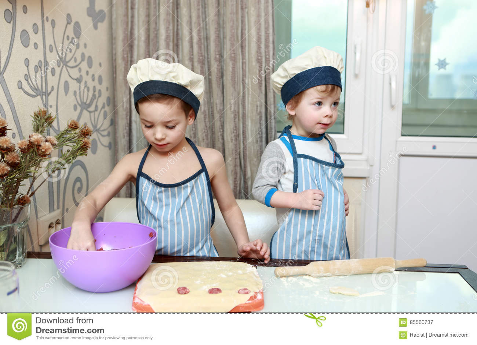 Zwei Kinderformmehlklöße