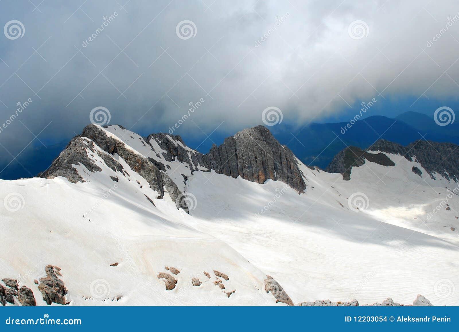 Zwei Leute auf Berg