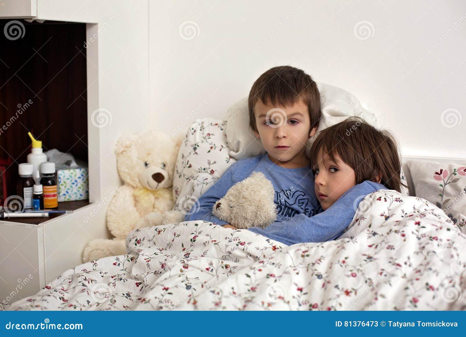 Zwei Hausfrauen im Schwanz Fieber