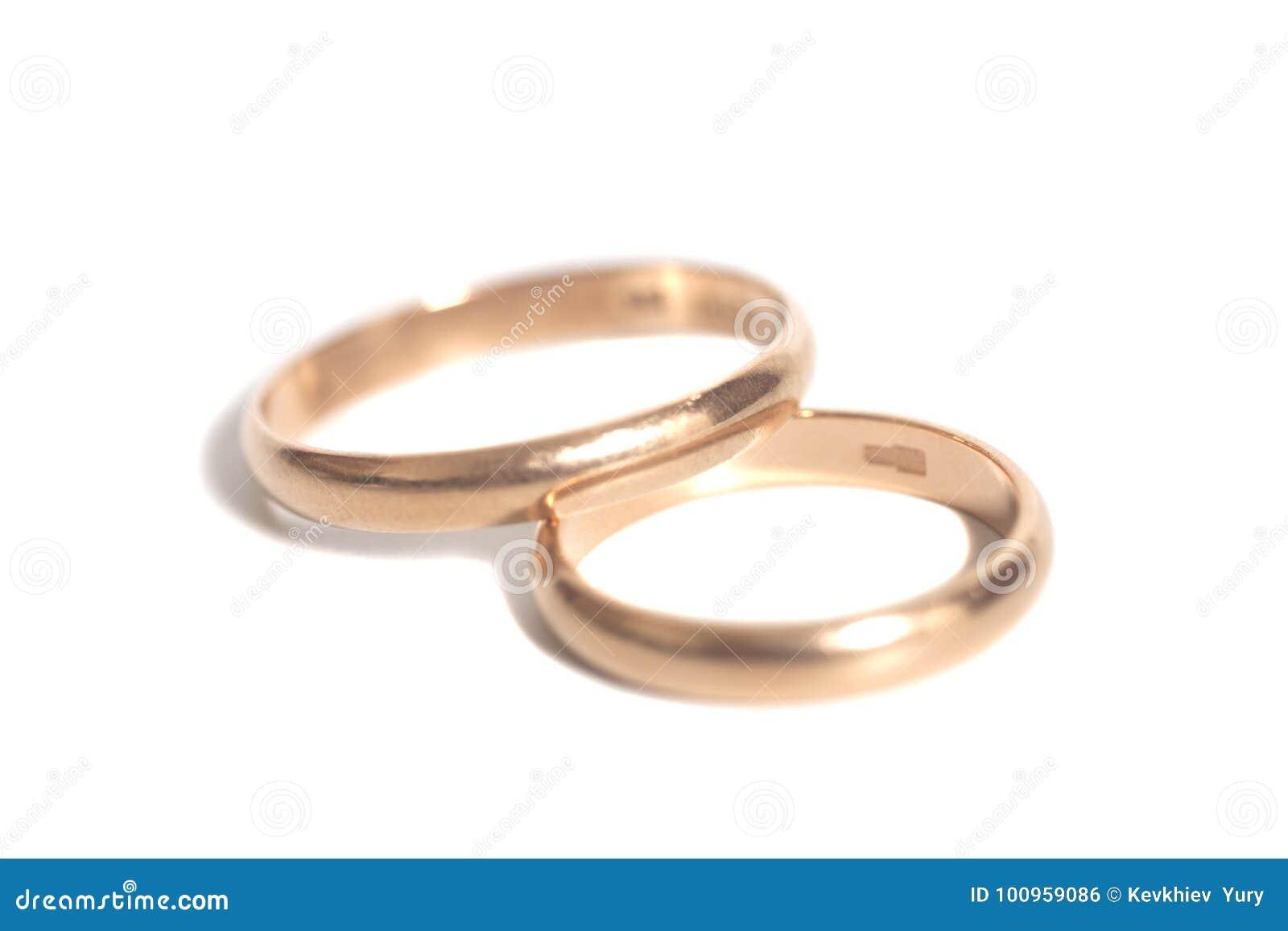 Zwei Ringe Der Goldenen Hochzeit Stockfoto Bild Von Retro