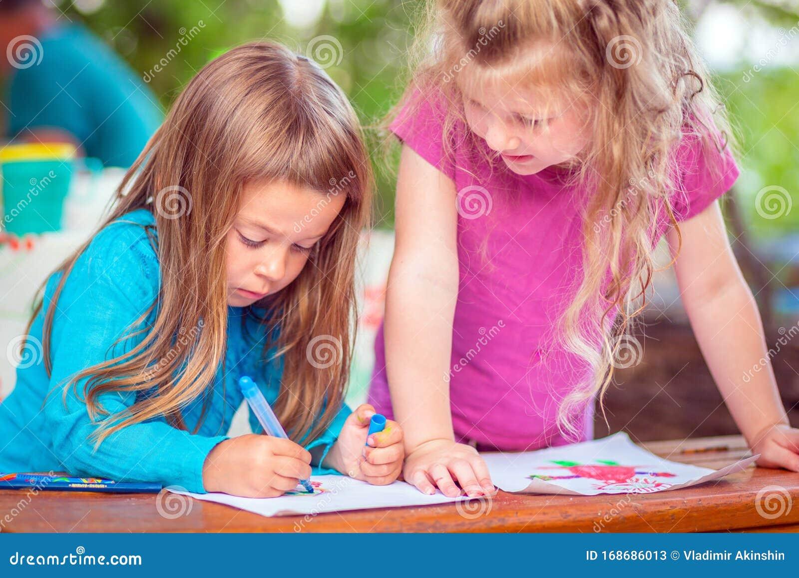 Mädchen bilder malen schöne Bleistift Schöne