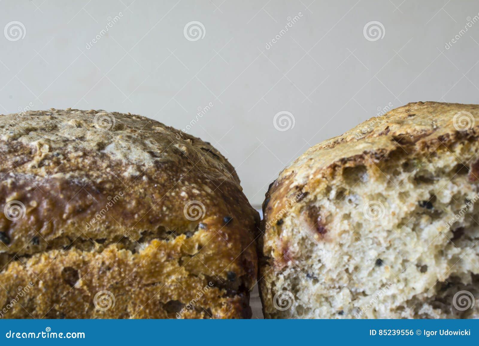 Zweiteilig Vom Selbst Gemachten Brot Mit Moosbeeren Die Polnische