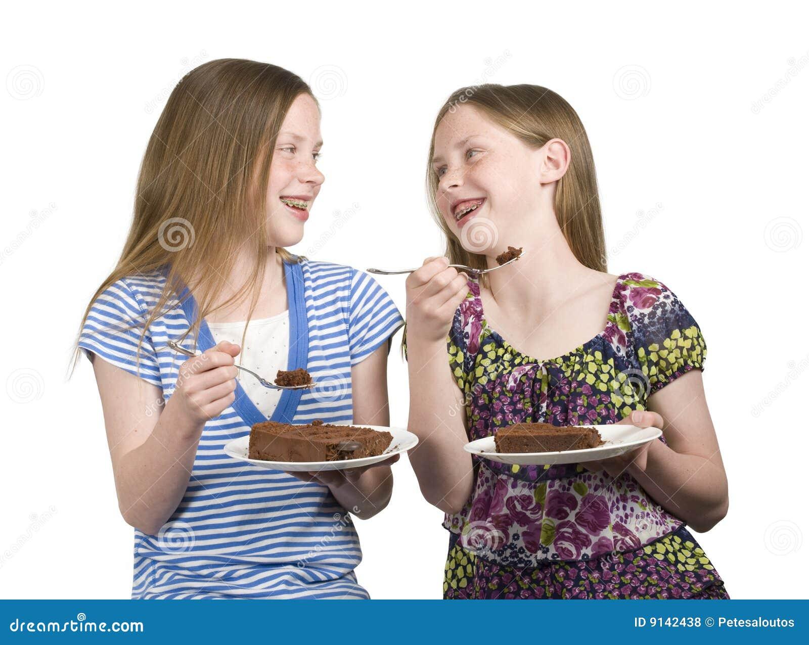 Zwillinge Essen Kuchen Stockfoto Bild Von Schwestern 9142438