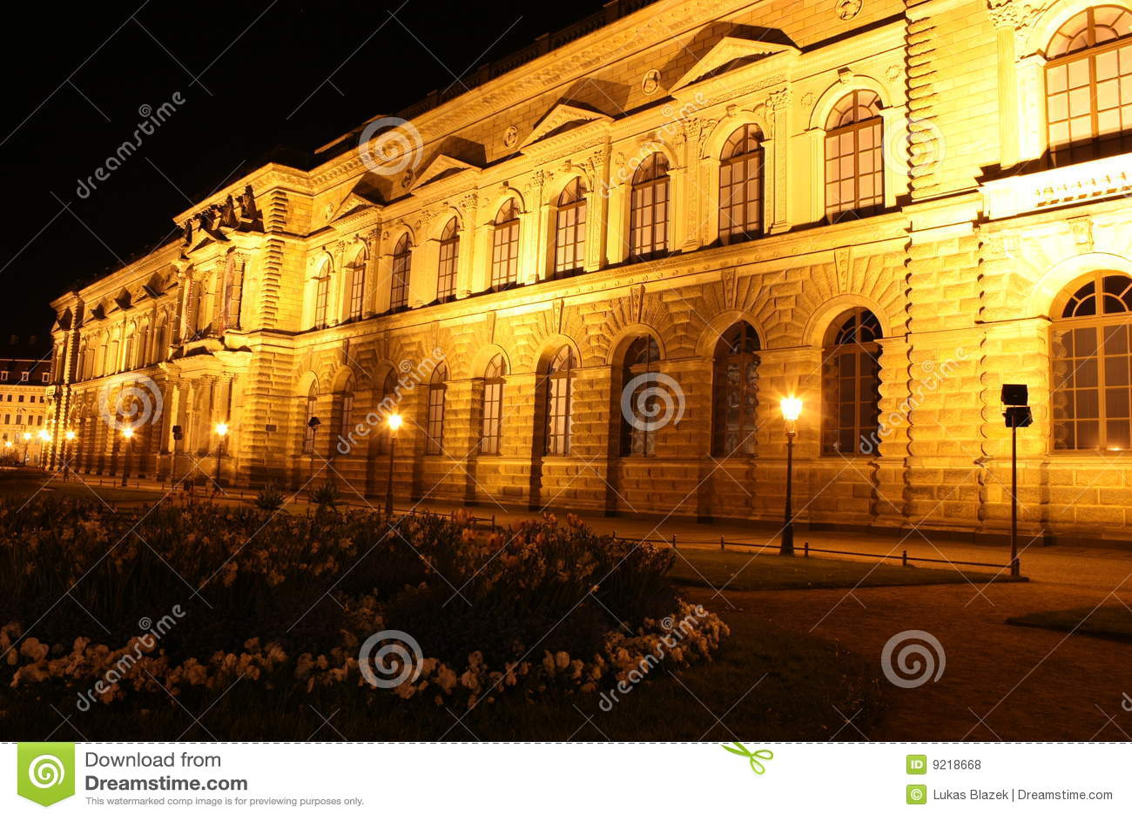 Zwinger a Dresda alla notte