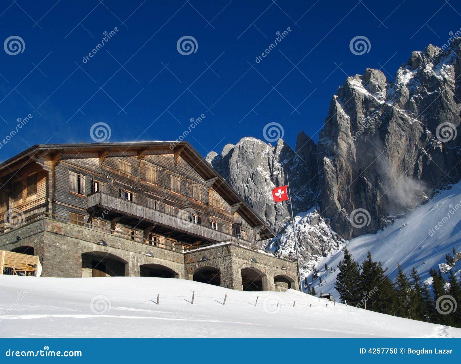 Zwitsers Chalet in de winter