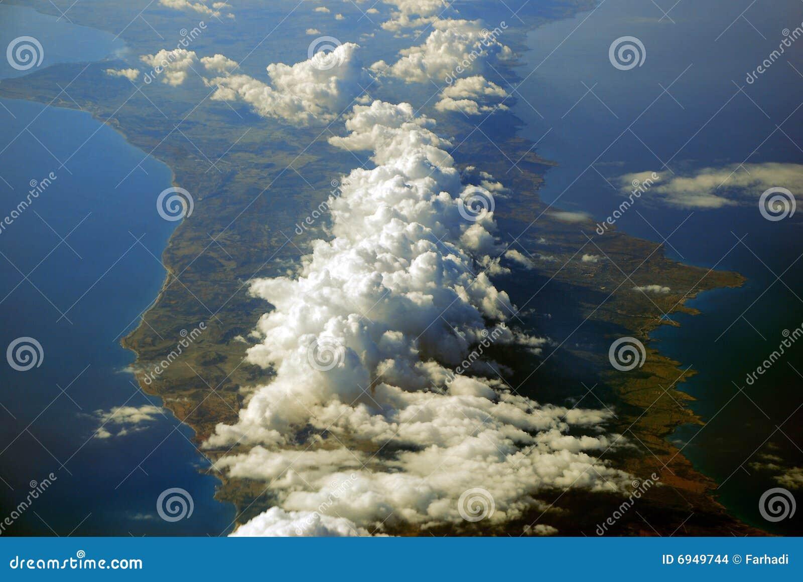 Zypern deckte mit Wolken ab